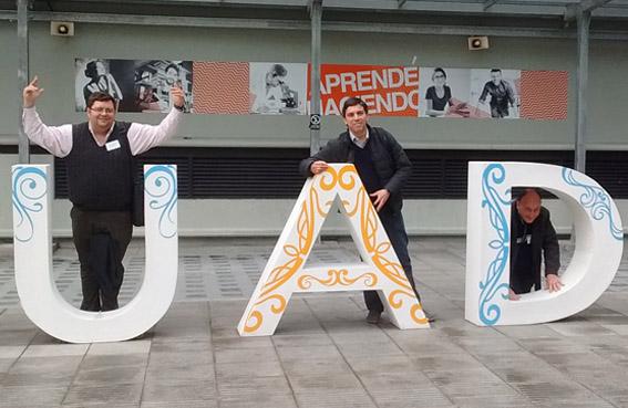 BECAS CELAM. Primer egresado y docente del liceo en asistir a las Jornadas de QDA (Quince Docentes Argentinos)